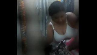 Desi bhabhi taking bath before having hardcore fuck with next door