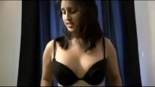 Fuck me or Leave the room Banglore Girl Zoya insult her boyfriend for a hot fuck